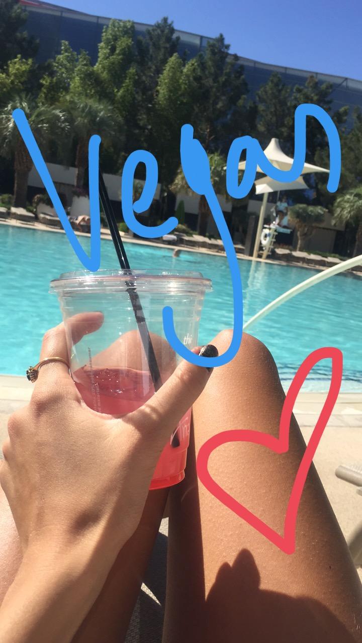 linda_tsetis_worlds_affair_las_vegas_fashion_travel_pool_side