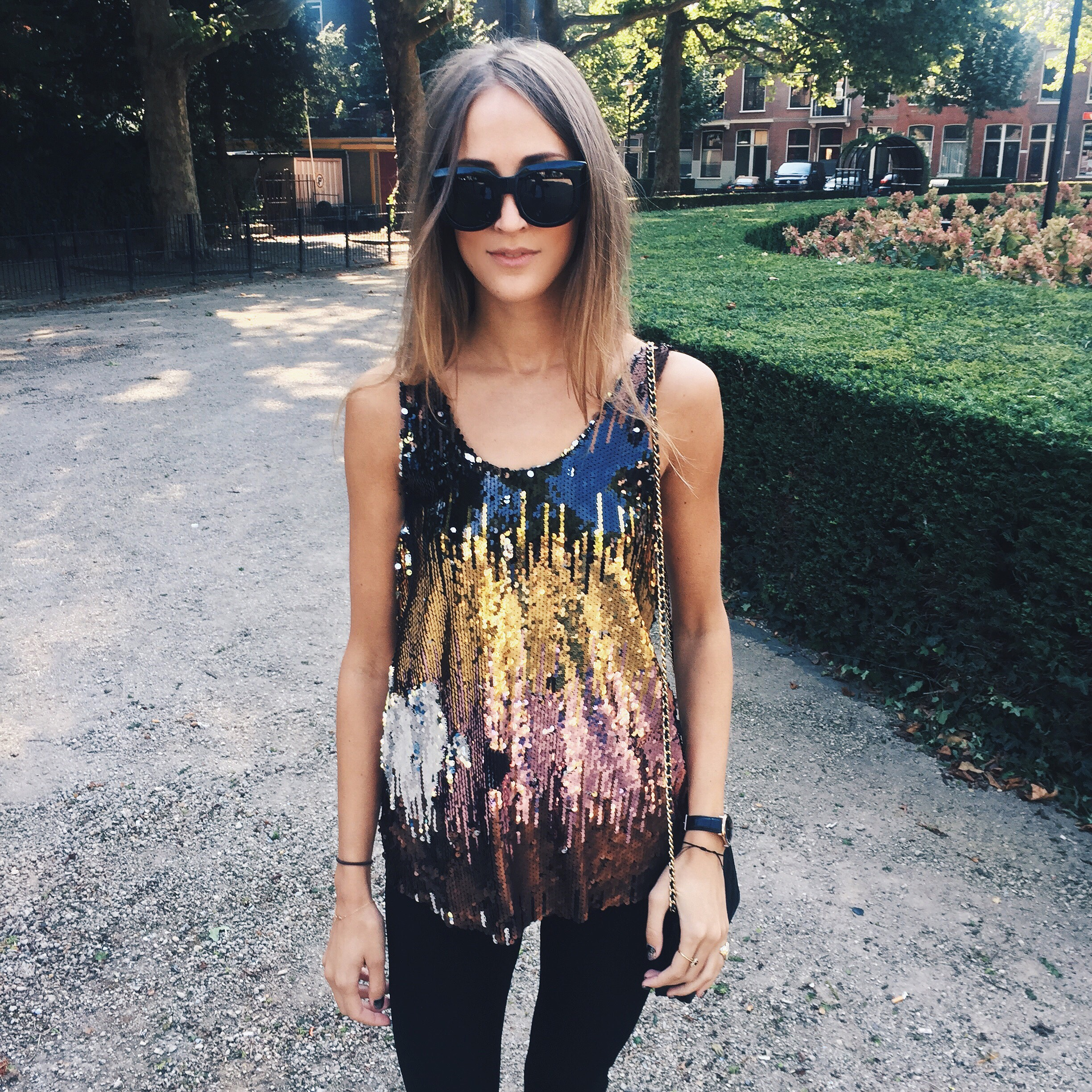 linda_tsetis_worlds_affair_sequins_top_zara_inspiration