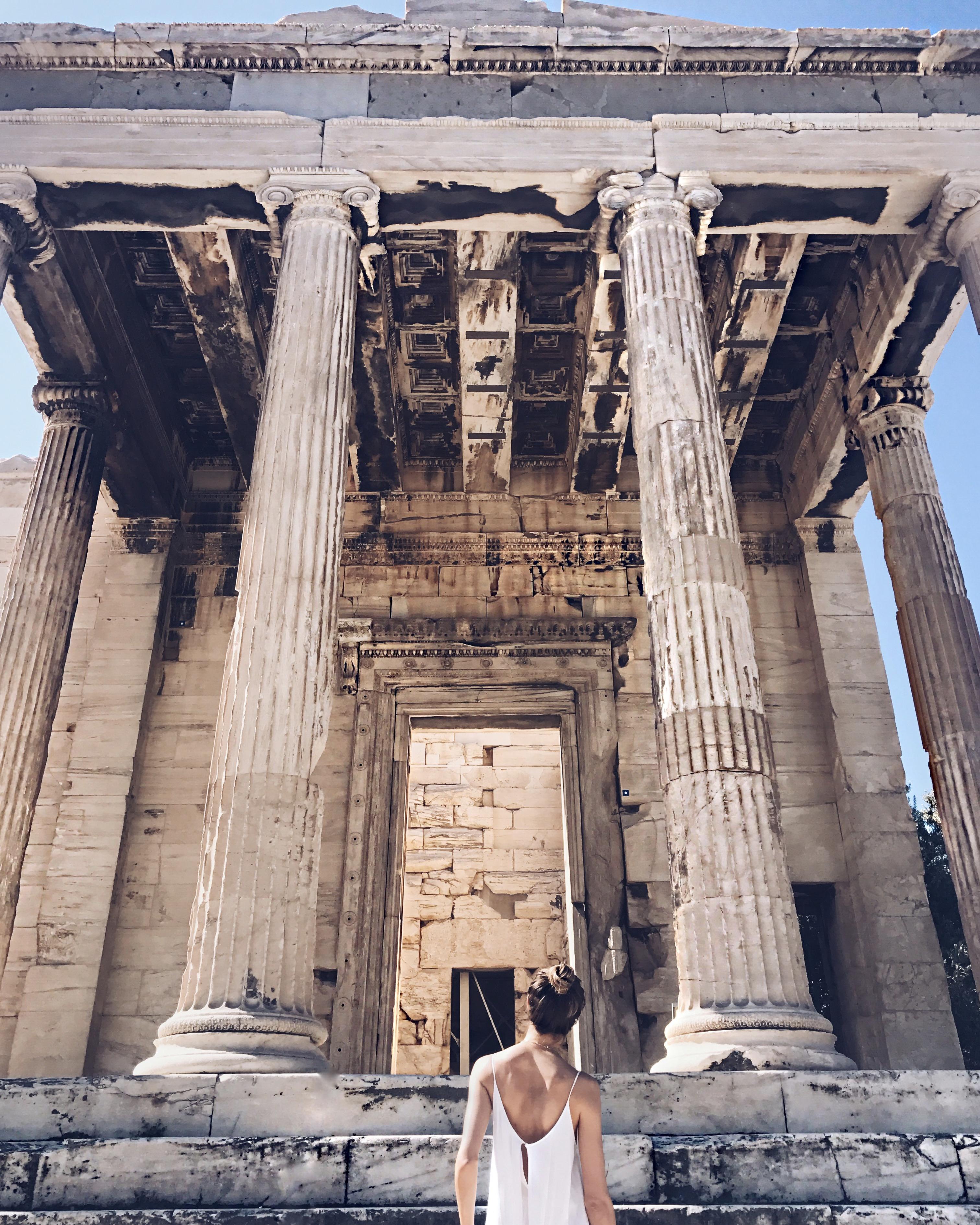 linda_tsetis_worlds_affair_style_travel_athens_acropolis